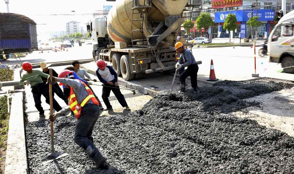 请问市政道路维修工程量计算里面什么量是要按照立方